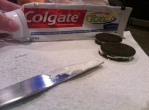 amazing-ways-to-prank-friends-april-fools-oreos